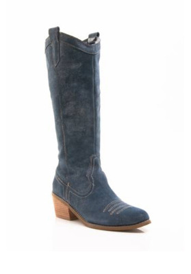 woman cowgirl boots
