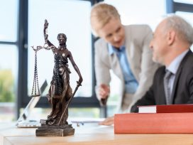 Solo Lawyer vs. Law Firm - Which Should You Choose? - Cominos Family Lawyer